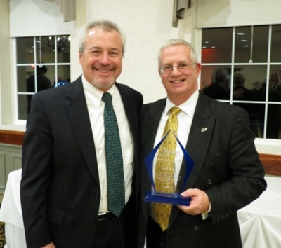 David Chase (right) received the President's Award from Glenn Welch.